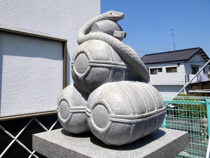 岩國白蛇神社・狛蛇