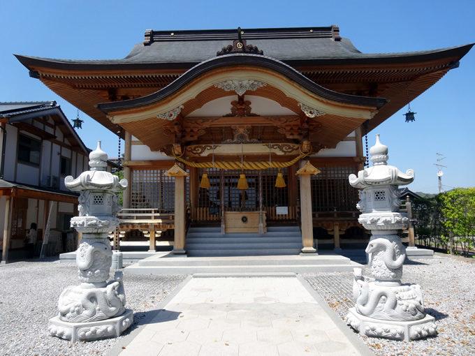 岩國白蛇神社・白蛇の石灯籠