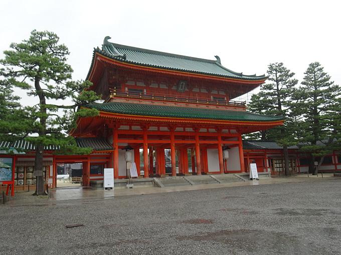 平安神宮・応天門(京都市左京区)