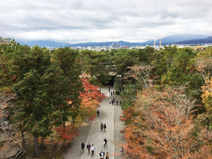 南禅寺の三門から(京都市左京区)