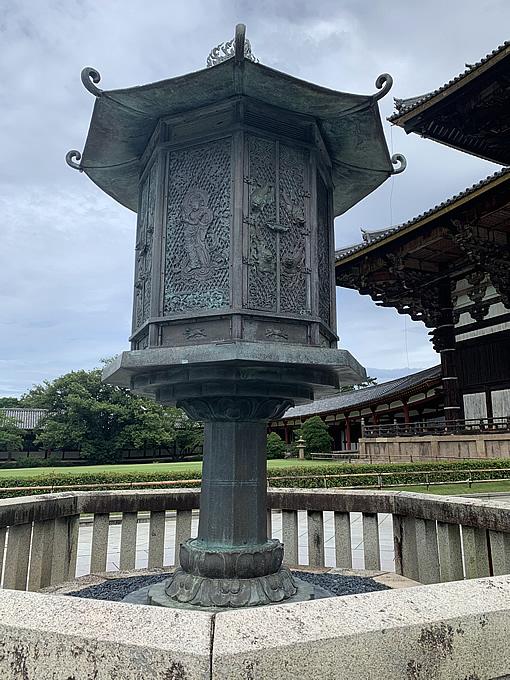 東大寺金銅八角燈籠(国宝)