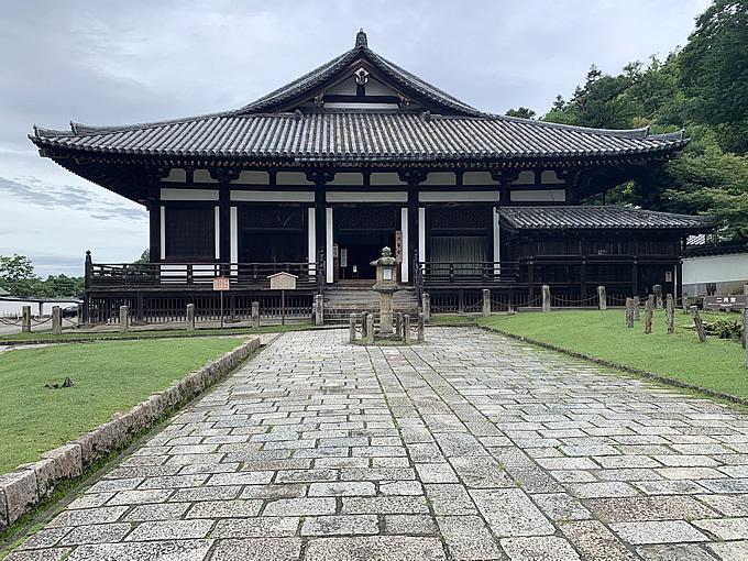 東大寺・法華堂(三月堂)